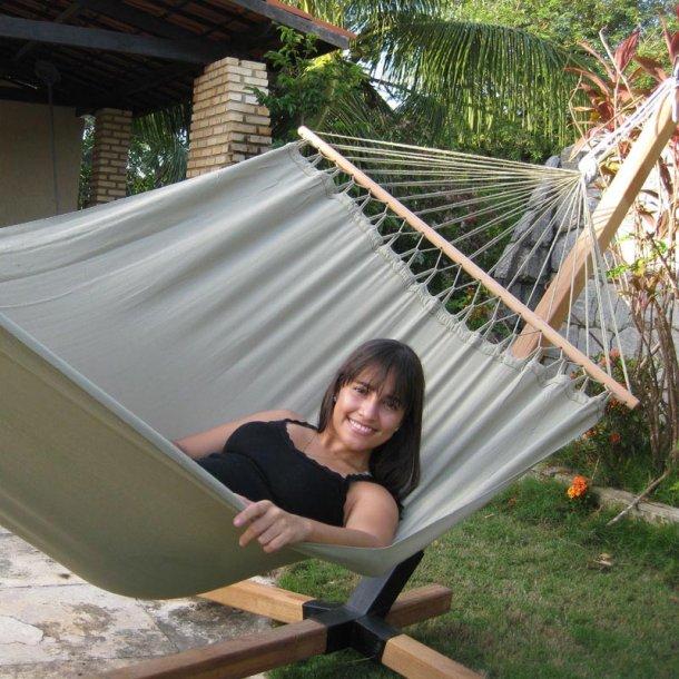 GråGrøn outdoor hængekøje med 120 cm træstokke