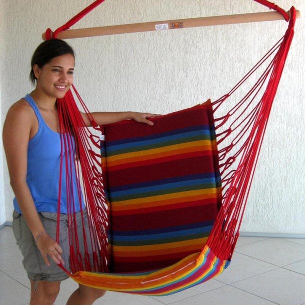 Iparana hængestol med regnbue stribet farver